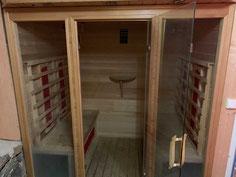 Une cabine sauna à infra rouge par le gite de la gorre, site en location en ardéche