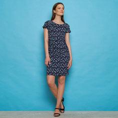 Alpacawol vest (€ 79,95) , recycled t-shirt (€17,95) , biokatoen legging (€29,95) & vilten hoed (€45,95)