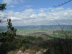 Blick vom Lindenberg ins Lüsseltal bis zum Blauen