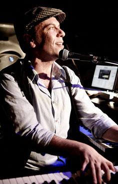 Gert Kapo - Piano