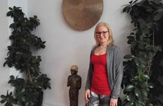Ich in meiner Ausbildungsschule Vision Yoga Mandiram in München im Westend - Copyright Tanja Schöffmann Yogalehrerin Samastah Yoga