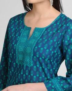 Blusa de mujer con bordados