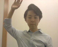 肩こりと腕が痺れて痛い奈良県葛城市の男性