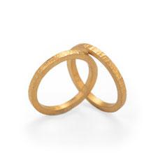 ring hammerschlag, Strukturring handgefertigt aus Düsseldorf, minimalistisches einfaches design, Schmuckdesign Düsseldorf von Maren Düsel