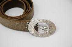hochwertige Gürtelschließe aus Silber aus der Kollektion von Schardelmann Schmuck