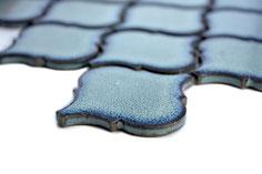 mosaico blu lucido decorativo in ceramica a forma originale