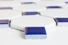 mosaico ceramica ottagono bianco blu cobalto