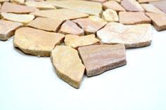 mosaico sassi di fiume neri