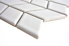 mosaico bianco decorativo in ceramica a forma di rombo