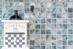 mosaico in madreperla azzurro