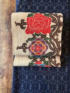 アットゥシ織紅型帯に紬の琉球絣