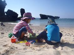 砂遊び!とっても楽しいね♪