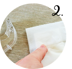Bild: DIY Freudentränen Taschentücher für die Hochzeit oder Party selber machen: Schnell, günstig, individuell und kreativ mit Teefilter und Banderolen, inklusive Freebie Printable für Banderolen Bastelvorlage, gefunden auf www.partystories.de