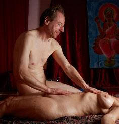 Verbindung Herz- und Bauch-Chakra bei Tantra-Massage in Würzburg