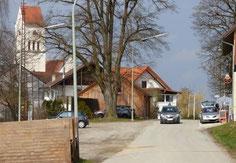 Wird im Rahmen des BA2 erneuert: Die Dorfstraße Richtung Absmeier-Kreuzung