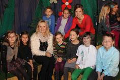 Die mitwirkenden SchülerInnen der 2B mit Ihrer Lehrerin Angelika Haunschmidt und Caroline Vasicek-Pfeifer