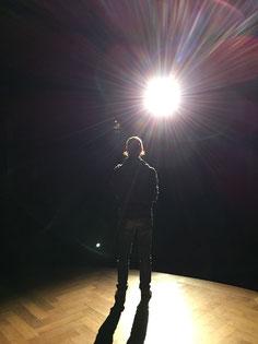 Maik Zosso am Mikrofon