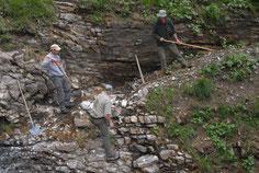 Arbeiter an einem Bergwanderweg