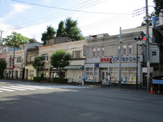 個性的な商店建築