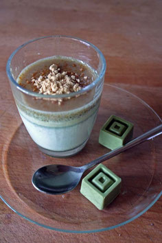 Matcha Crème mit Matcha Pralinen