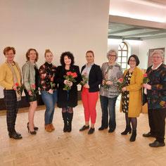 Auf dem Foto von links nach recht : Henriette Ahrens, Frauke Koch, Saskia Brandt, Sylke von Oehsen, Kristina Förster, Gisela Thomas, Christiane Buck, Uta-Susanne Rathje