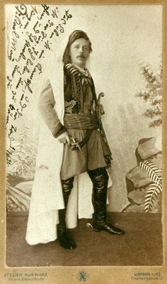 1896 - Karl May als Kara ben Nemsi (Bild: Karl-May-Gesellschaft e.V.)