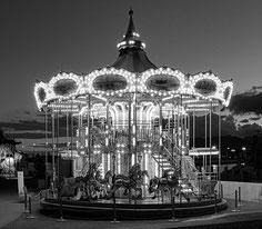 SONY RX100 II im Test: Nachtaufnahme Karussell in Malaga. Copyright 2015 by Klaus Schoerner