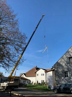Der Dachstuhl wird aufgesetzt...