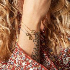 goudkleurige armbanden