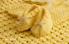 Zapatos para bebés tejidos en dos agujas en 2 piezas