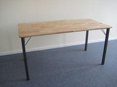 Tisch mit Klappbeinen: Produktionsschule Wilhelmsburg, Charitymarket.de, fair und nachhaltig, handgearbeitet, Wohnen, Holz, Tisch, Möbel