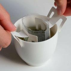 Organic tea in Kawane (Shizuoka prefecture) Taruwaki-en Move it up and down several times in a cup and set.
