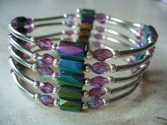 Bijou magnétique avec aimants et perles synthétiques multicolorés