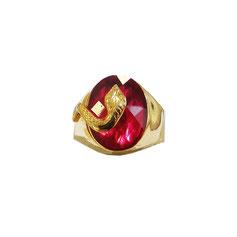 Anello uomo scudo serpente in oro giallo con pietra rossa 18kt