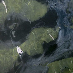 Who can install a quartzite countertop and home accessoires?
