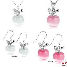 Parure boucles d'oreilles pendantes et collier pomme opale blanche ou rose