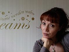 Angela Reins