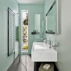 Duschraum mit Doppel-Lavabo ganz in Mint Fotografie Ben Huggler für Badewelten, Styling Philipp Brunschwiler