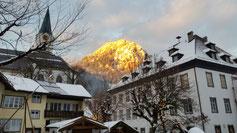 Die letzten Sonnenstrahlen bringen den Berg zum Glühen...