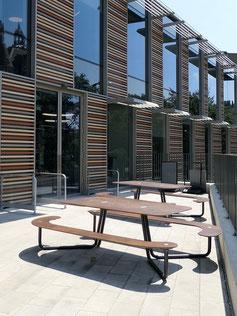 Tisch mit Bank aus HPL für bis zu 10 Personen
