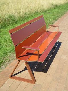 Swing 02 HPL SitzBank ohne Armlehnen im Individualdekor
