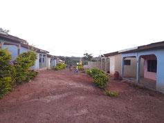 Die Häuser in denen die Mütter mit den Kindern wohnen