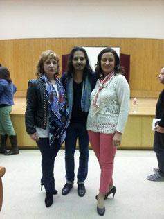 Farruquito, flanqueado por Myriam González-Gay y Chusa Gómez Fuente
