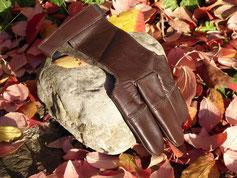 Handschuh eines Bogenschützen aus Esslingen