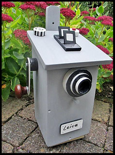 Houten nestkastjes - Camera, Leica, grijs