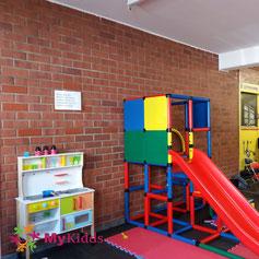 Kinderküche und Indoorrutsche