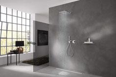 Bad. Dusche. Spiegel. Fließen. Luxus