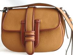 sac à main, besace en cuir fabriqué par artisan maroquinier dans un atelier artisanal