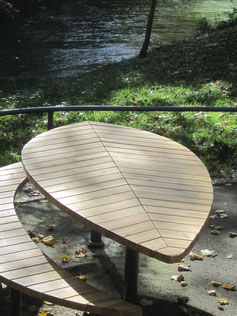 Helio Leaf Table