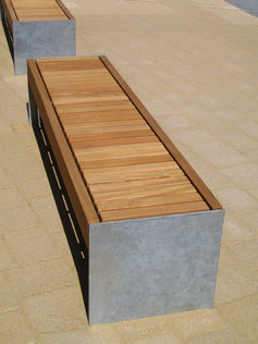 Colonnade Axial Bench